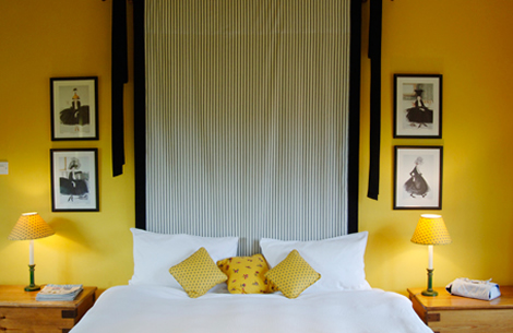 Yellow bedroom decor ideas for Bedroom designs yellow