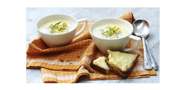 Hot Creamy Sweetcorn Soup Recipe