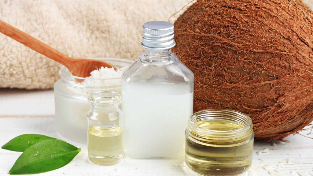 coconut-milk-water-moisturizing-conditions-soft-silky-dry-frizzy-hair-fat-natural-diy-shampoo-ingredients